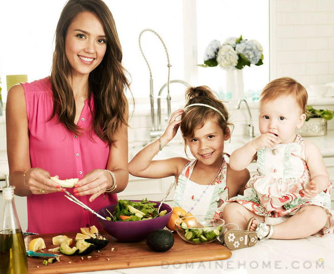 Jessica Alba with daughters